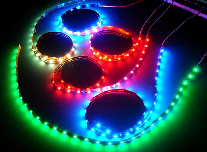 Светодиодные ленточные светильники2