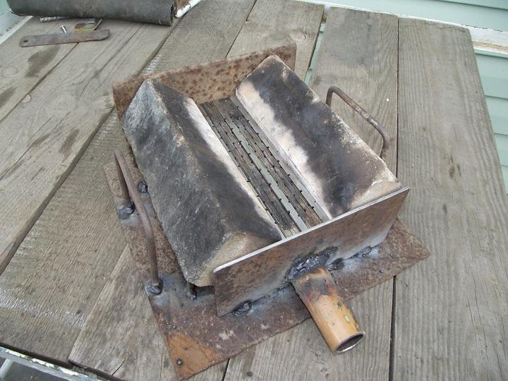Самодельный горн для ковки элементов ворот и калиток