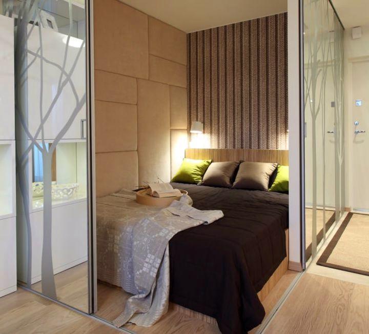 Зеркальное ограждение спальной зоны