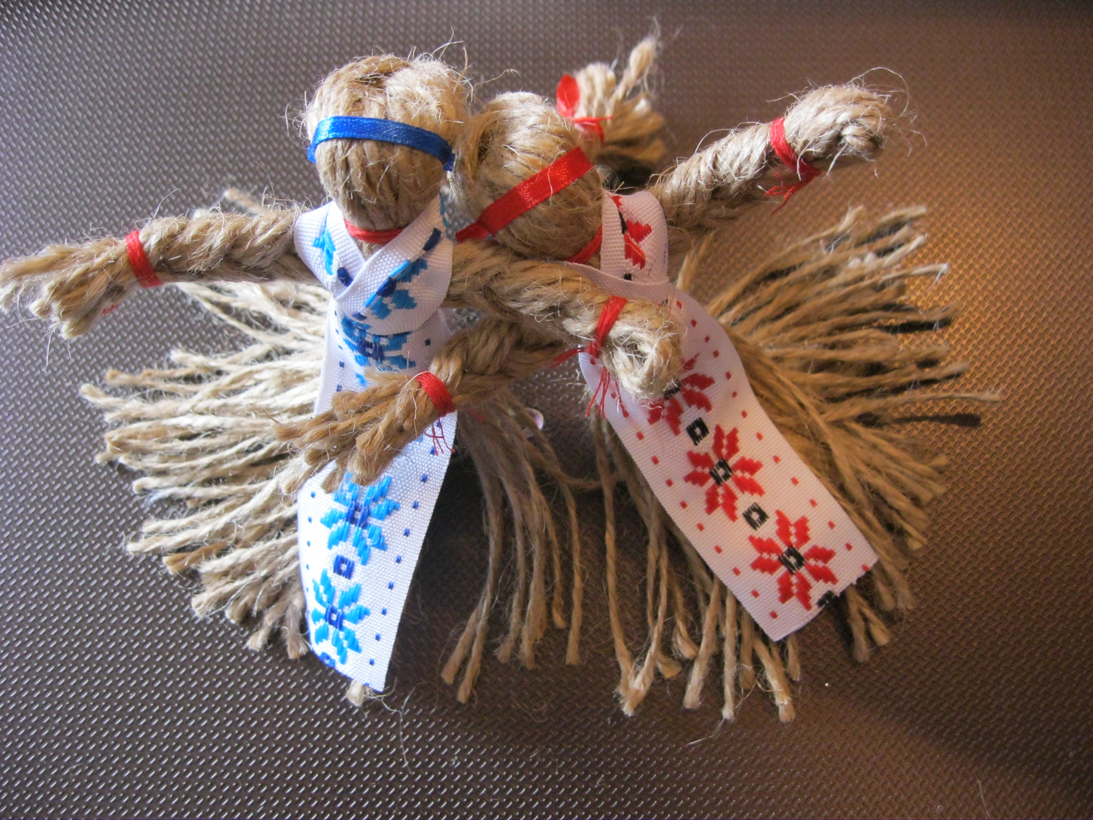 Кукла - мотанка из бечевки