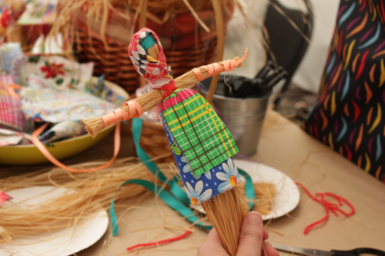 Кукла - мотанка из соломы