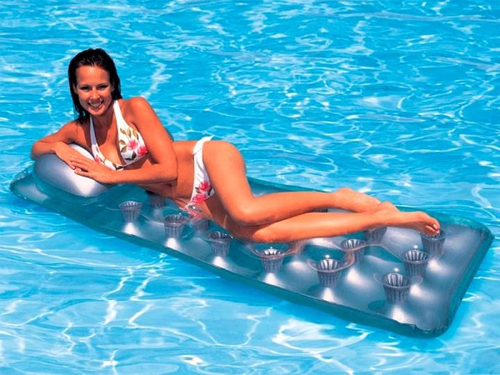 Надувные матрасы для плавания