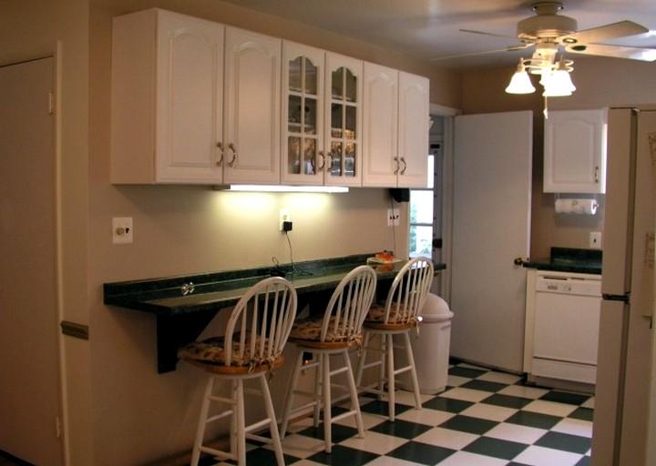 пристенный кухонный стол (3)