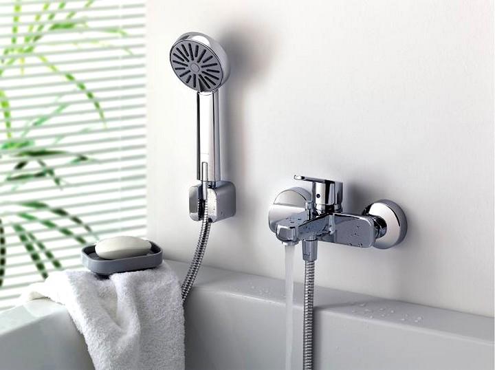 Смеситель для ванной с душем2