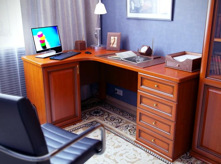 Угловой письменный стол габариты