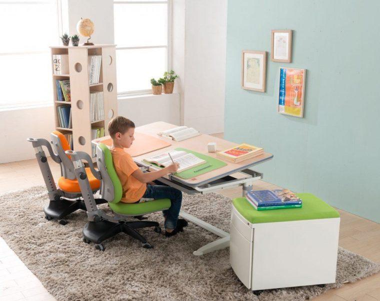 Критерии выбора правильного письменного стола для школьника в 2020 году