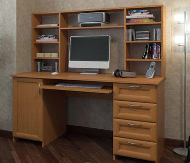 Письменный стол из МДФ