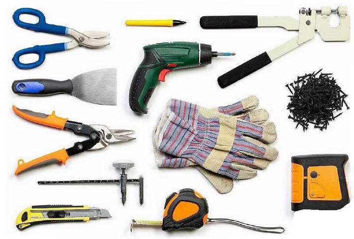 Инструменты для работы с гипсокартонном при изготовлении перегородки