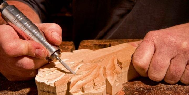 Технология рельефного узора по дереву ручным гравером