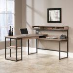 Фото 53: Угловой стол в индустриальном стиле