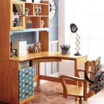 Фото 75: Школьный угловой стол с надстройкой