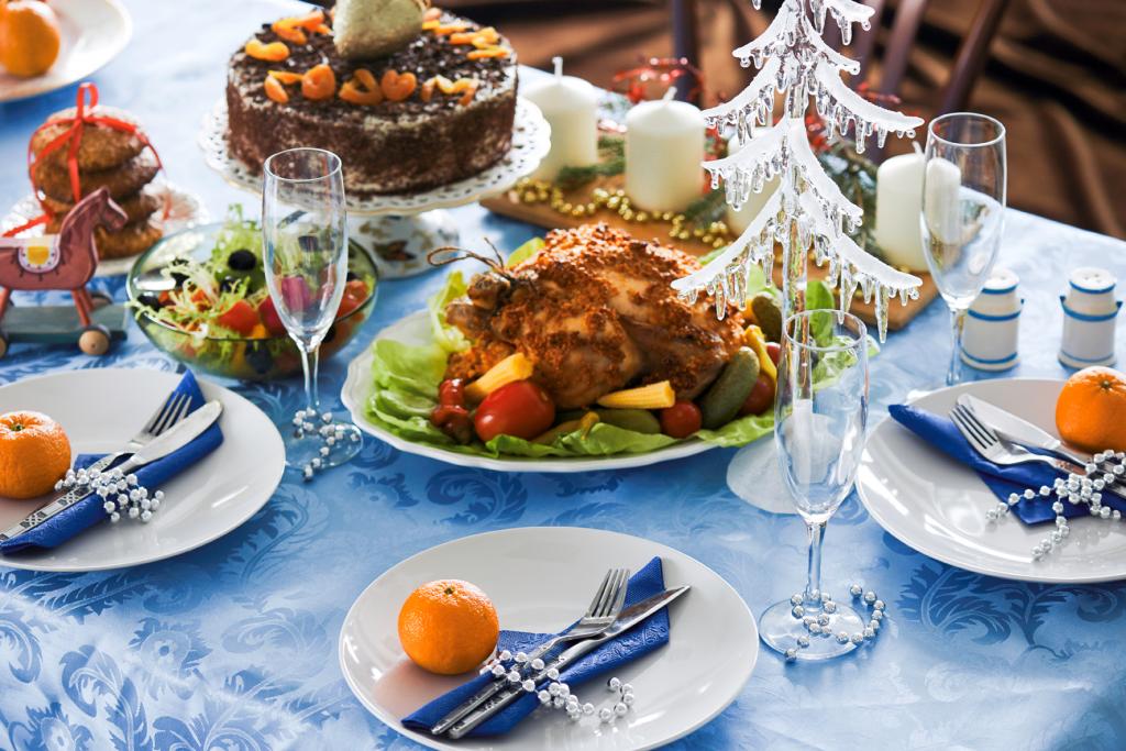 Пример праздничного стола на новый год