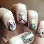 Фото 72: Новогодний маникюр с гирляндами на короткие ногти