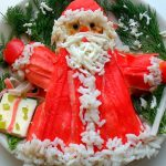 Фото 64: Украшение салата в виде Деда Мороза