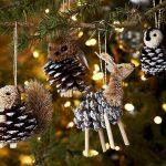 Фото 5: Игрушки на елку из шишек