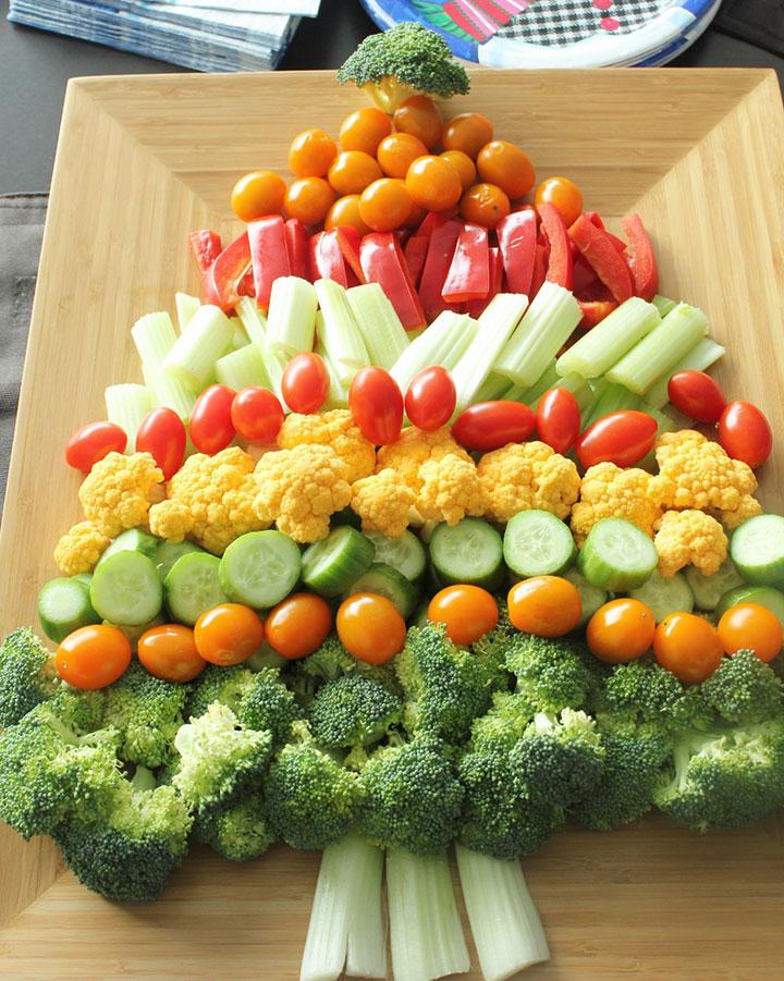 Елочка из овощей по рядам