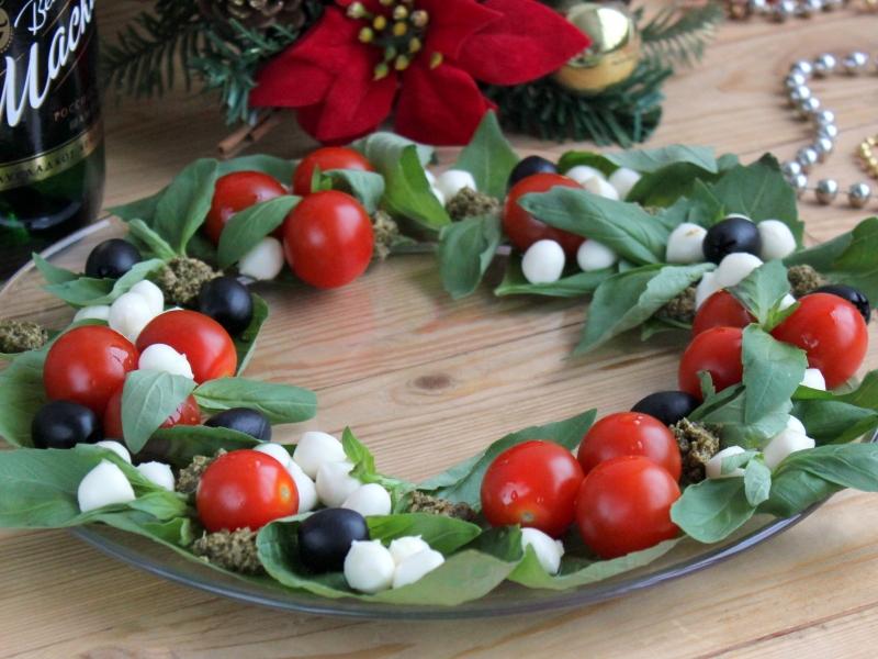 Салат–венок из овощей