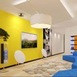 Фото 48: Выделение одной стены ярким цветом в современном дизайне гостиной