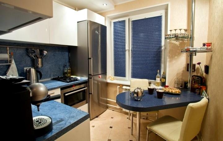Дизайн кухни в хрущевке с холодильником