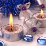 Фото 13: Свечи - одно из главных украшений новогоднего стола