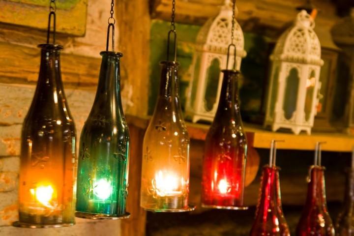 Оригинальные светильники из винных бутылок
