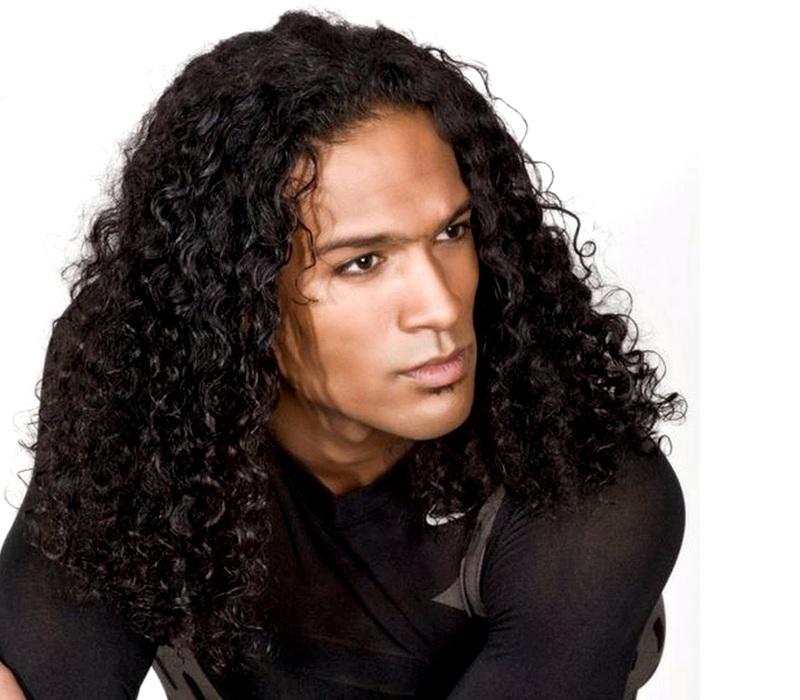 Длинные кудрявые волосы у мужчин