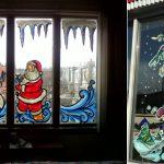 Фото 34: Красочная новогодняя роспись окна