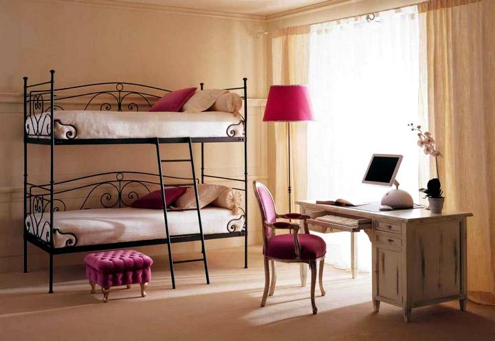 Железная детская двухэтажная кровать