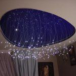 Фото 62: Натяжной потолок в виде неба с освещением в виде звездопада