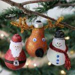 Фото 80: Елочные игрушки из старых лампочек