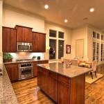 Фото 10: Дизайн потолка на кухне (12)