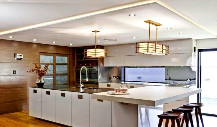 Дизайн потолка на кухне (5)