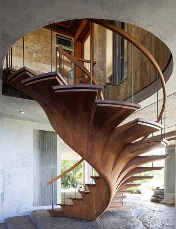 Лестница в форме дерева