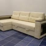 Фото 1: Белый угловой диван