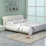 Фото 10: Белая кожаная двуспальная кровать