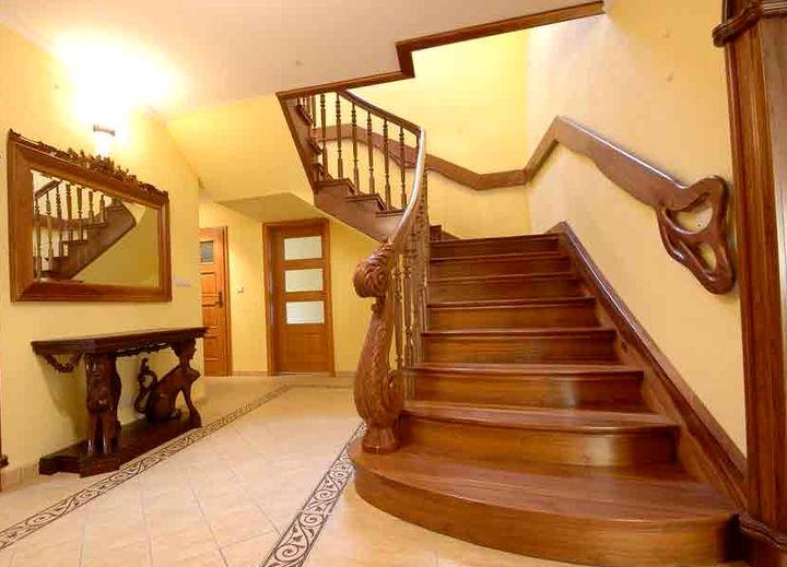 Поворотная форма лестницы