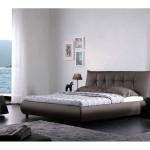 Фото 19: Двуспальная кровать из кожи
