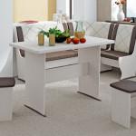 Фото 23: Белая мебель кухни