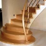 Фото 3: Лестница с изгибом