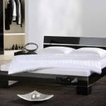 Фото 9: Глянцевая двуспальная кровать