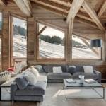 Фото 7: Интерьер деревянного дома в стиле шале