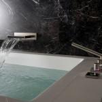 Фото 16: Смеситель для ванной, встроенный в стену