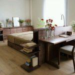 Фото 90: Кровать из массива со столом
