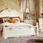 Фото 60: Классическая белая кровать