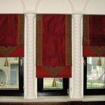 Фото 56: Бархатные римские шторы в индийском стиле