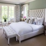 Фото 58: Кровать с белой обивкой