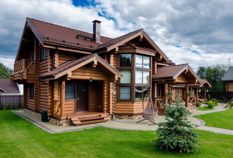 Дом для проживания из оцилиндрованного бревна