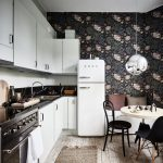 Фото 67: Круглый столик в углу кухни