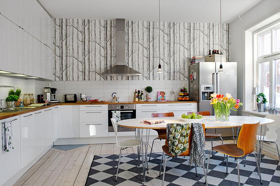 Овальный стол в скандинавском интерьере кухни