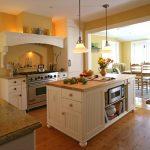 Фото 118: Люстры в стиле прованс на кухне